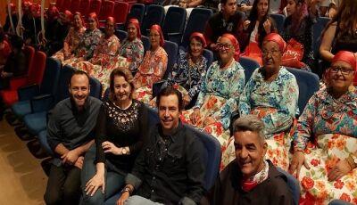 Vicentina dá um show com Conviver em participação da 13ª Mostra Cultural e Festival MS in Concert