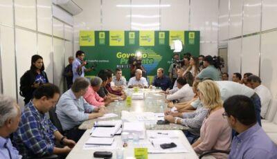 Em reunião com Azambuja, prefeitos pedem pavimentação e fomento ao turismo