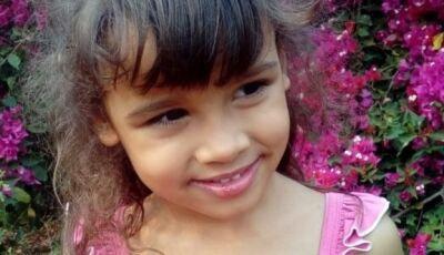 Família faz apelo para conseguir recursos para realizar cirurgia da menina em Glória de Dourados