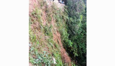 Camioneta com 30 pessoas voltando de Culto Evangélico cai em ribanceira e mata 5 pessoas