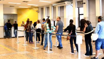 Servidores estaduais receberão os salários de setembro nesta sexta-feira