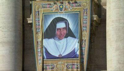 Irmã Dulce é canonizada pelo Papa Francisco em cerimônia que reúne milhares no Vaticano