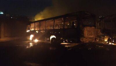 Guerra do tráfico fecha estação do metrô e sete ônibus são incendiados no Rio