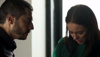 A Dona do Pedaço: Camilo flagra vacilo de Vivi e desconfia de fuga com Chiclete