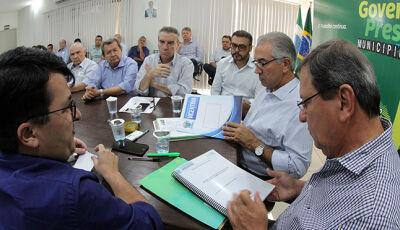 Prefeito pede geração de empregos, asfalto, drenagem e habitação para Vicentina
