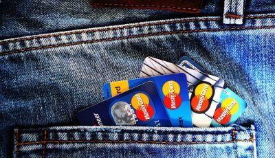 Mulher tem cartão clonado e golpistas efetuaram diversas compras em Glória de Dourados