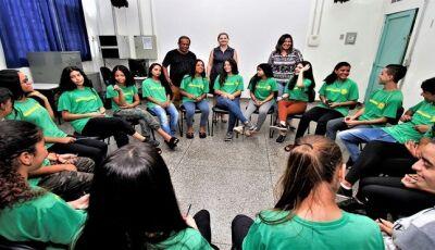 """Projeto """"Anjos do Bem"""" ajuda alunos de Escola Estadual a lidar com conflitos da adolescência"""
