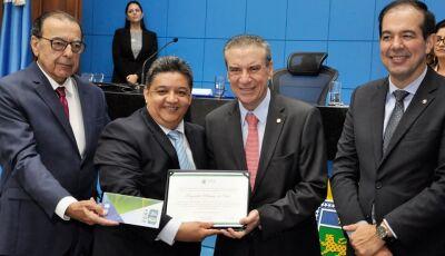 Fatimassulense de coração, Reginaldo Marinho é homenageado na AL, agradece e faz balanço de 2019