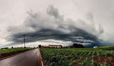 Instituto alerta para chuva forte até o fim da noite em 11 municípios de MS