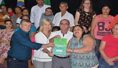 Habitação avança regularização fundiária e entrega 1,9 mil títulos em MS