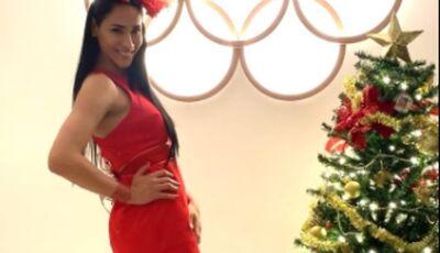 Bicampeã olímpica de vôlei, Jaqueline dança música natalina em ritmo de funk; assista!