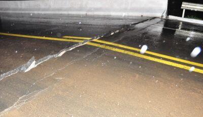 Chuva forte derruba ponte e volta a interditar anel viário em Nova Andradina