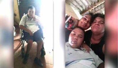 Pais de criança com paralisia vendem bala no semáforo pra ver se garantem um teto no Natal