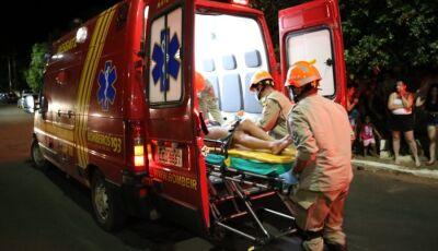 Adolescentes ficam feridos após queda de moto em Ivinhema