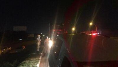 Em surto, mulher sai de motel e morre debaixo de caminhão na Capital