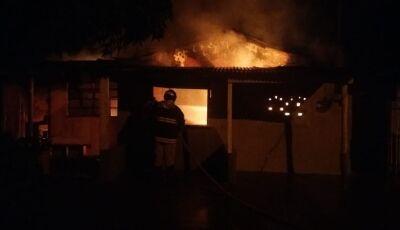 Inquilino coloca fogo em casa após discutir com dona de imóvel em MS