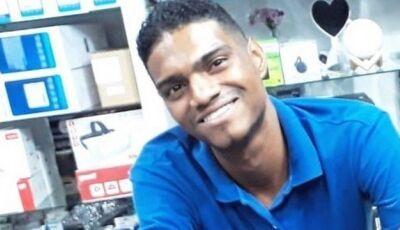 Jovem que salvou criança de ataque de pitbull consegue emprego