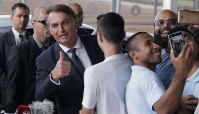 Bolsonaro diz que zera imposto em combustíveis se governadores zerarem ICMS