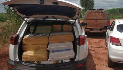 Toyota RAV4 carregada com 850 quilos de maconha foi apreendida pelo DOF em Ipezal (MS)
