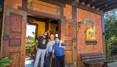 Casa do João, o restaurante que acabou virando atrativo de turistas e famosos em Bonito (MS)