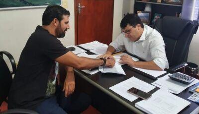 Prefeito anuncia pagamento dos professores da REME com 12,84%, um pouco a mais do piso em Vicentina