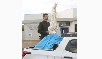 Católicos realizam carreata com imagem de santa em Fátima do Sul pedindo proteção