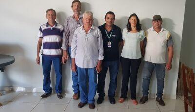 Nova diretoria da Aproleite busca parceria com Sebrae para melhorias em Glória de Dourados