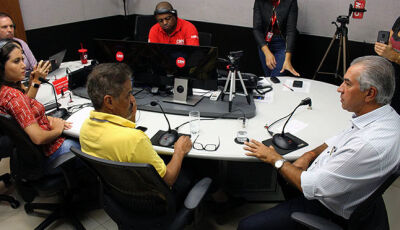 Reinaldo Azambuja responde a perguntas sobre investimentos no interior
