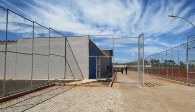 Mais de 200 presos dos regimes aberto e semiaberto vão para casa em Dourados
