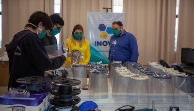 Inova UNIGRAN doa 1ª remessa de protetores faciais tipo 'face shield' fabricados com a tecnologia 3D