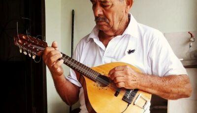 A feira de domingo não ouvirá mais o som o bandolim, morre Luiz Cabelo aos 83 anos em Ivinhema