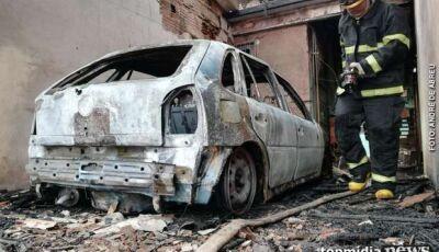 Polícia encontra carro queimado abandonado no São Conrado; polícia procura donoI