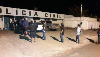 Desobediência ao toque de recolher leva 20 pessoas para a delegacia de Itaporã
