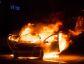 Veículo foi destruído por incêndio que será investigado pela Policia Civil em Deodápolis