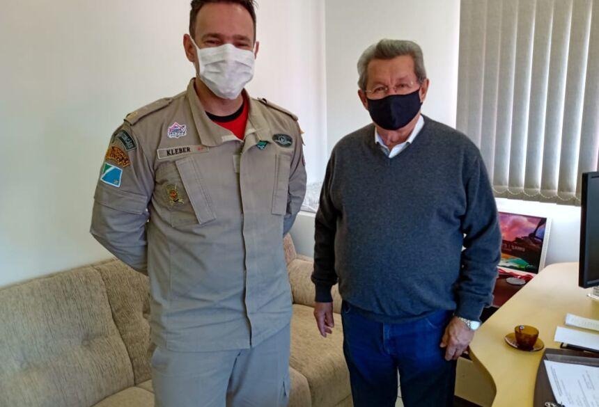 Deputado Onevan de Matos e Major Kleber Barbosa Arantes, comandante do Corpo de Bombeiros de Naviraí