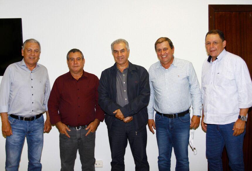 O Governador do Estado, Reinaldo Azambuja e demais lideranças estaduais do partido apoiaram a indicação feita pelo diretório municipal ao colocar o vice-prefeito para encabeçar a majoritária no município