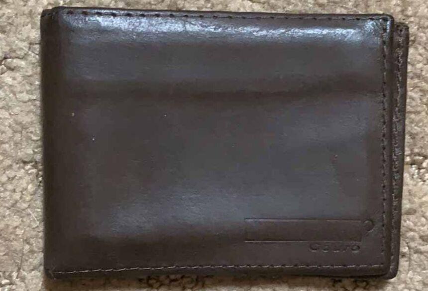A carteira continha documentos pessoais do Sr. Valdomiro