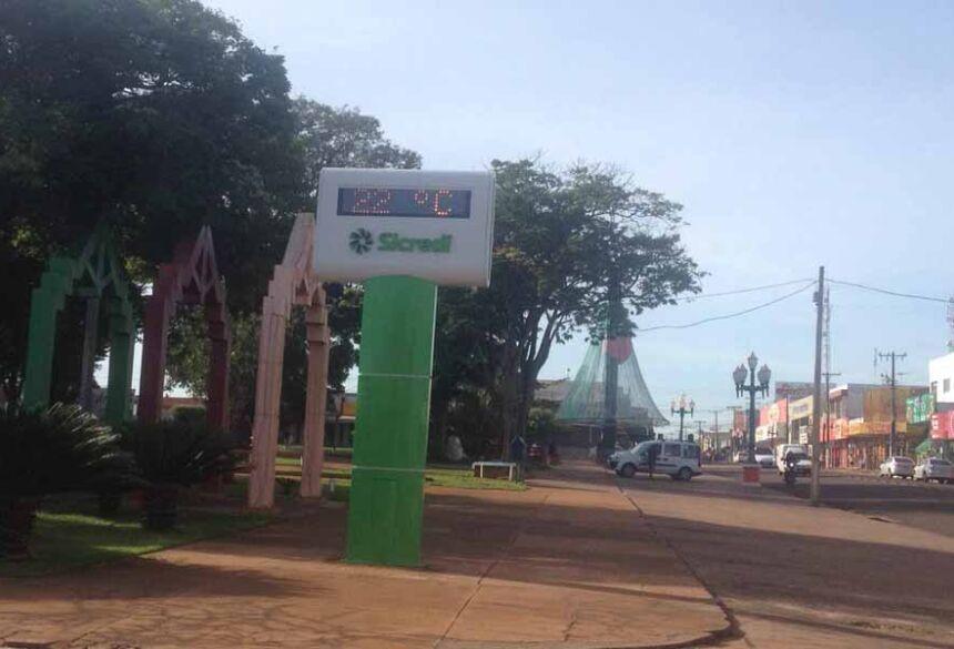 O Termômetro da Praça Getulio Vargas as 08:45 hs já marcava 22º C