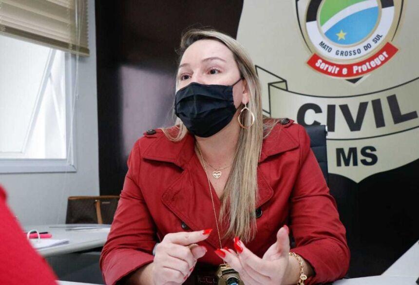 Anne Karine, delegada da Deam, que investiga fotógrafo exposto no twitter
