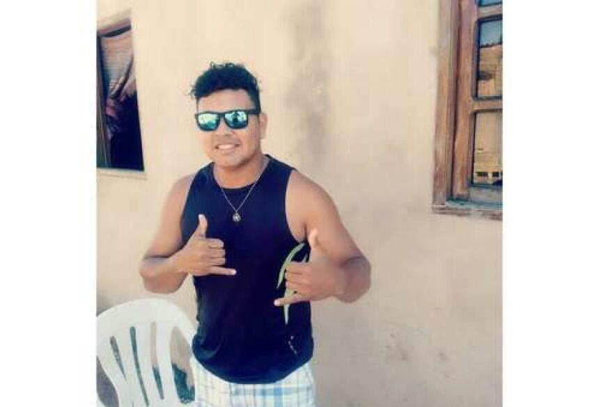 Gian Carlo, 29 anos, é a terceira vítima da covid-19 em 24 horas, em Corumbá.