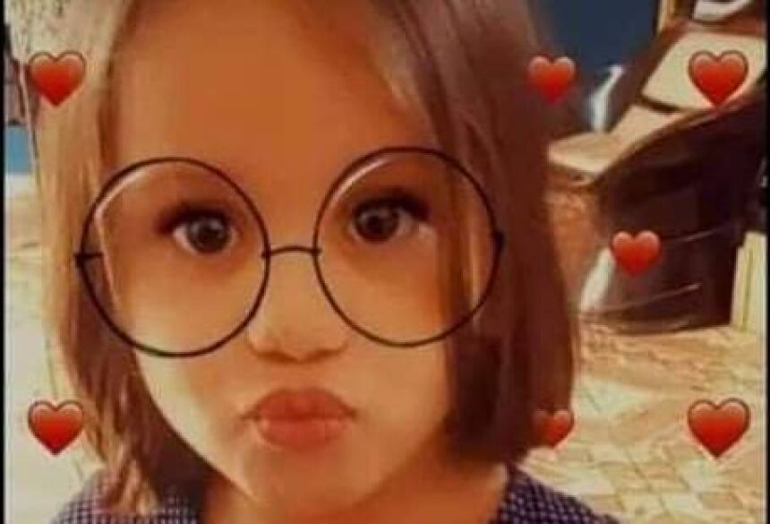 A menina Beatriz dos Santos, 4 anos, não resistiu ao tiro na cabeça que sofreu domingo (12), em Dourados