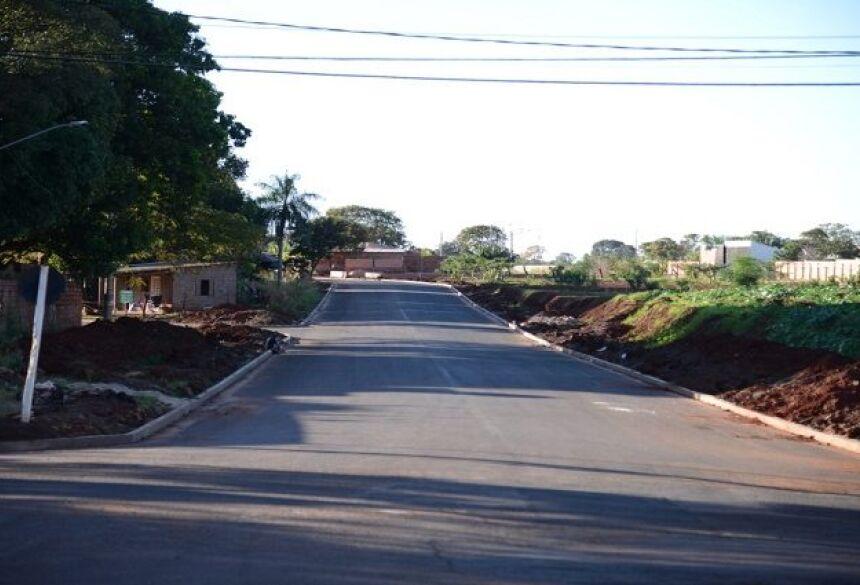 Ruas ganham asfaltos após 30 anos de espera