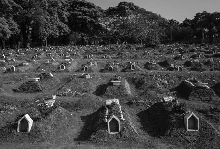 Tumulos quadruplicaram em maior parte dos cemitérios