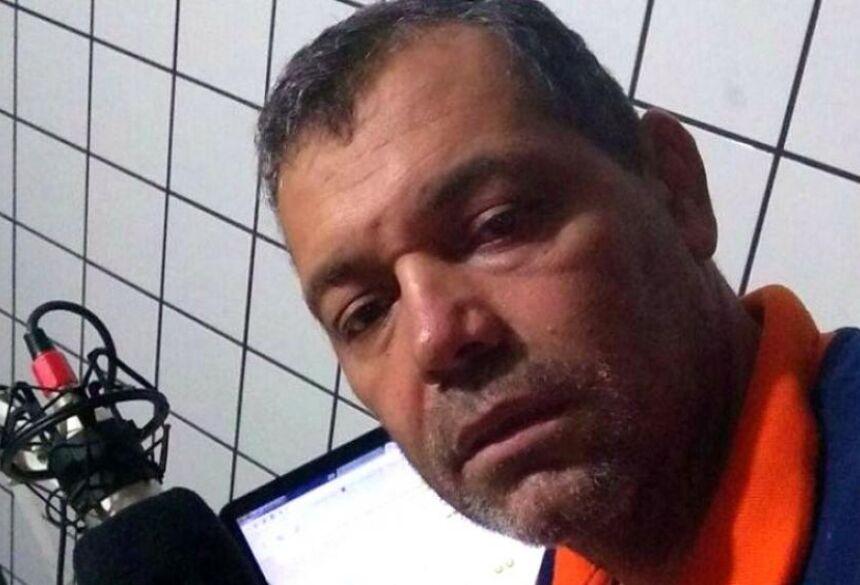 Na foto, Randoval Leite, o radialista Peba, da Rádio Cidade
