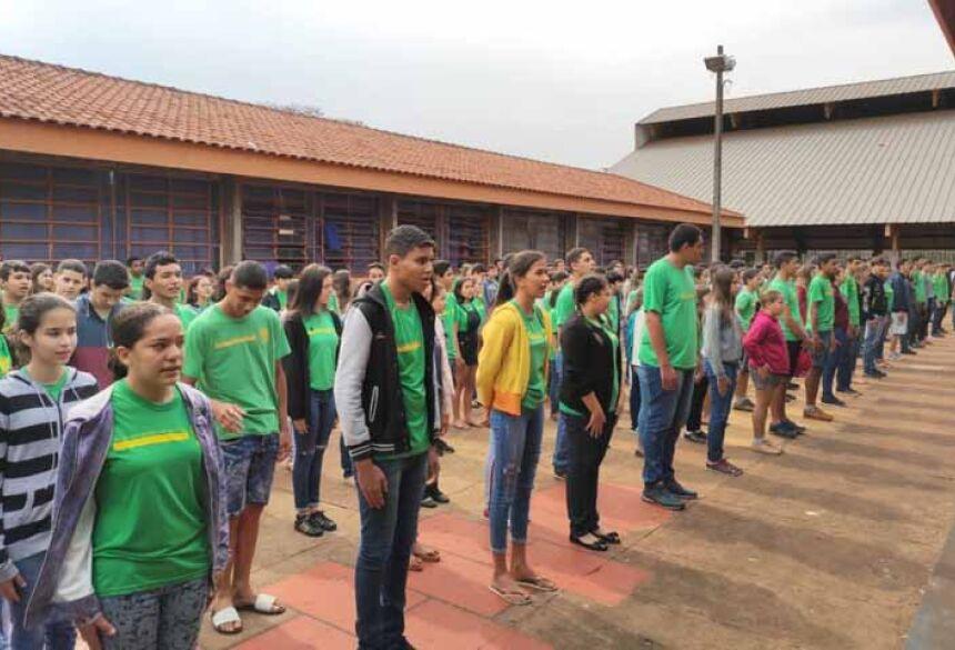 Alunos da Escola Vila Brasil de Fátima do Sul