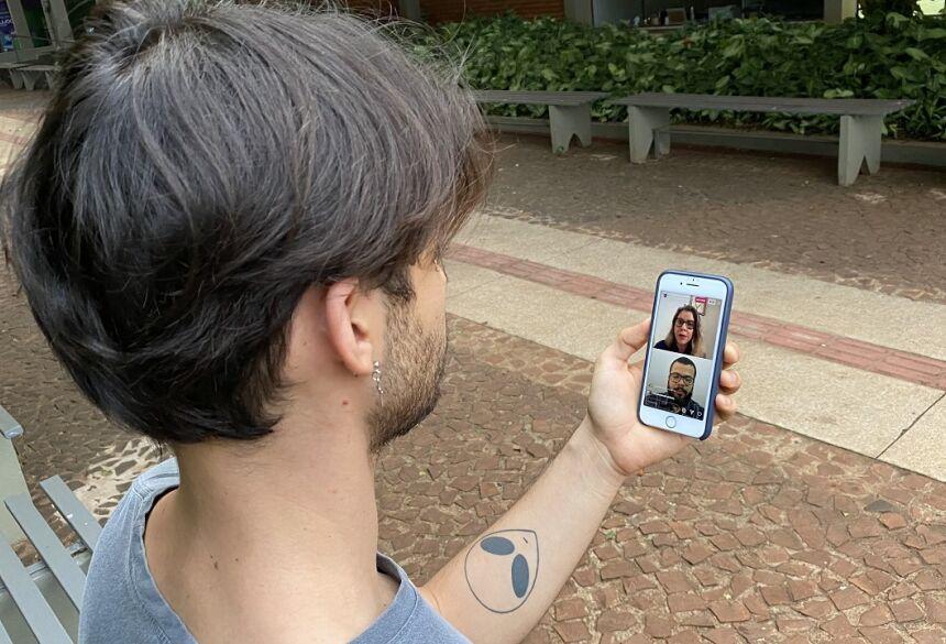 Live com a coordenadora Ticiana Araujo da Silva e o professor Carlos Valiente foi transmitida pelo Instagram