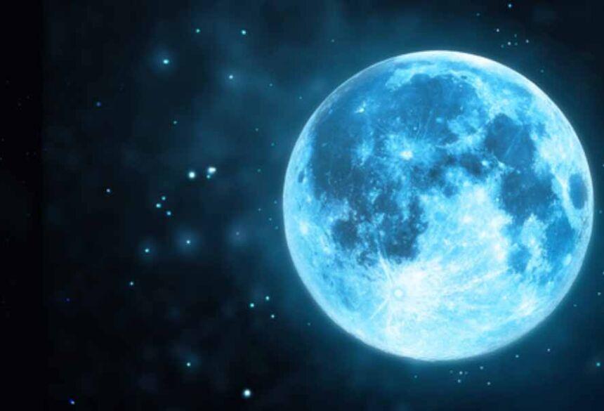 nuvens de cinzas subiram ao topo da atmosfera terrestre e suas partículas fizeram a lua parecer azul.