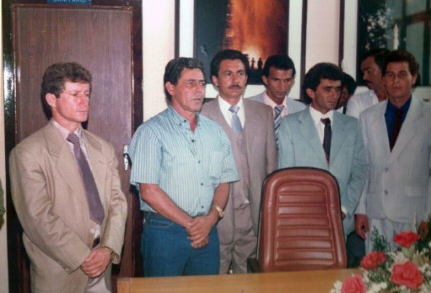 Eraldo tomando posse como prefeito de Jateí pela primeira vez em 1.989