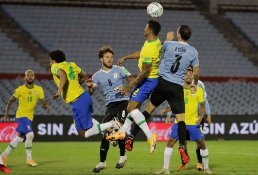 Brasil segue invicto nas Eliminatórias, após vitória de 2 a 0 contra o Uruguai