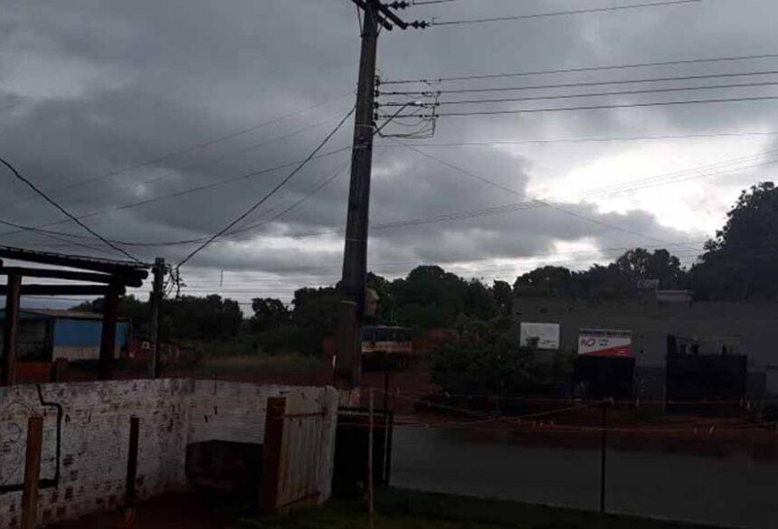 Chuva forte na tarde desta quinta feira em Fátima do Sul